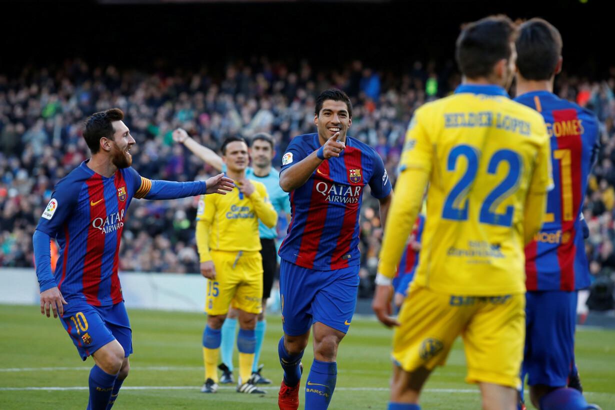 Football Soccer - Barcelona v