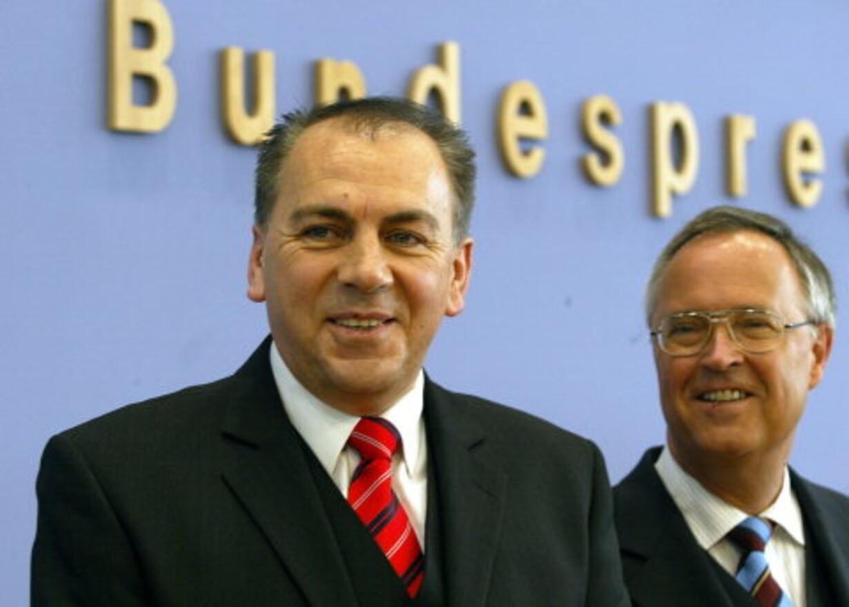Bankchef og minister i strid om guld og gæld - 1