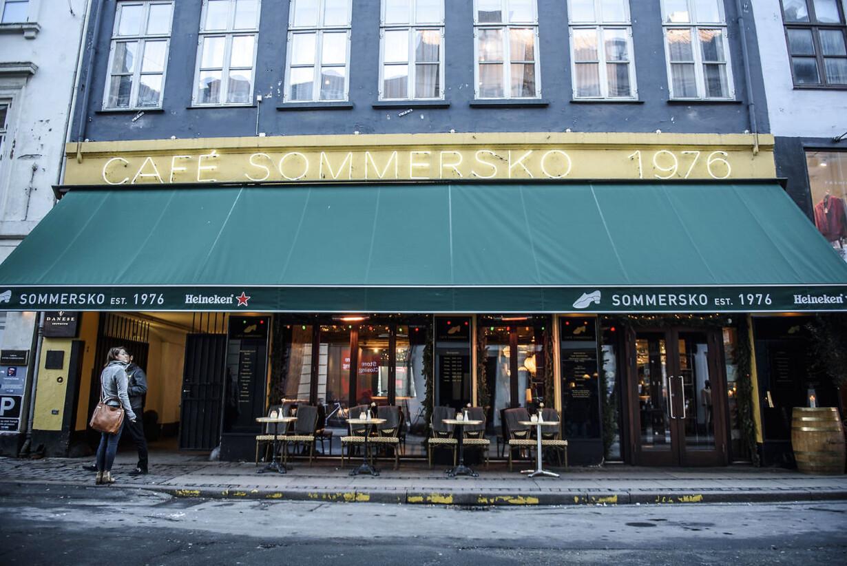 eff493a1650 Efter Berlingske-afsløringer: Café Sommersko-dynastiet smuldrer