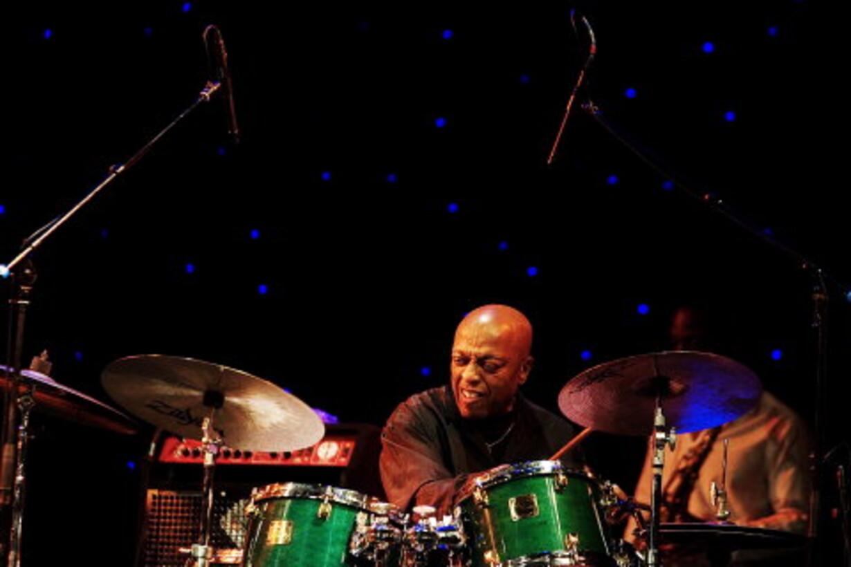 Primadonnaen krævede bongo trommer på hotelværelset - 1