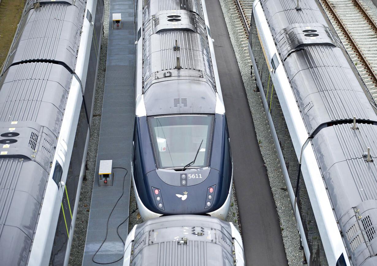 DSB DSB har så dårlig ledelse, at deres tog er fyldt med fejl
