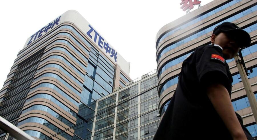 ZTE, Kinas næststørste mobilproducent efter Huawei, er sluppet fri af de amerikanske sanktioner - men prisen har været høj. Her ZTEs afdeling for forskning og udvikling i Beijing. Arkivfoto: Jason Lee, Reuters/Scanpix