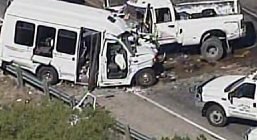 En ulykke i Texas har kostet 13 personer livet. De var alle medlemmer af en baptistmenighed. Reuters/Handout