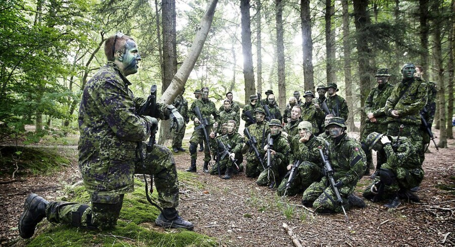 Danmark har en færdig pakkeløsning klar til NATO-topmødet. Danmark vil engangere sig i brændpunkter med penge og soldater.