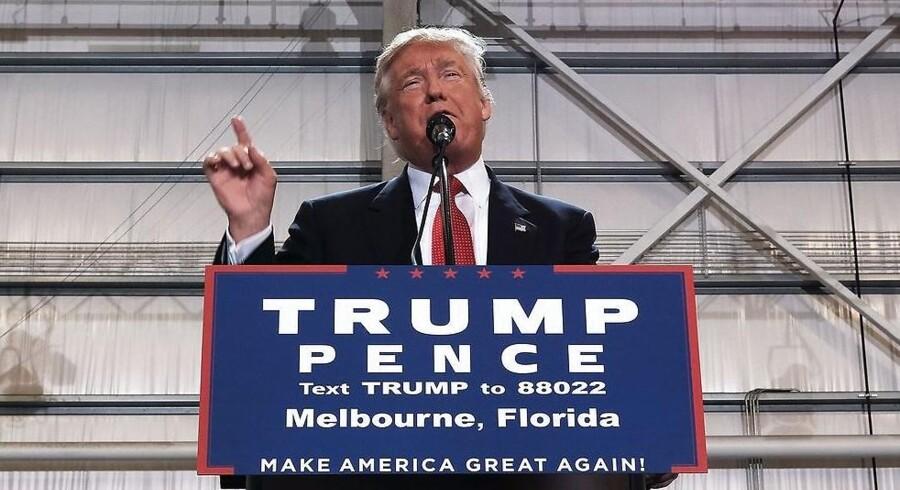 Donald Trumps formue er ifølge det amerikanske finansmedie faldet med 800 millioner dollar, svarende til 5,3 milliarder kroner, det seneste år.