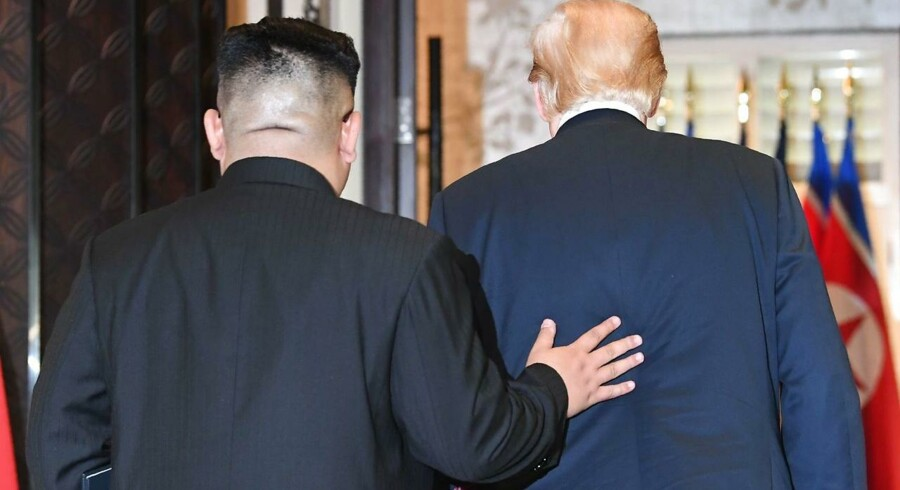 Præsident Donald Trump og Nordkoreas leder, Kim Jong-un, har holdt møde i Singapore, hvor der ifølge den amerikanske præsident er blevet underskrevet et »vigtigt dokument«. / AFP PHOTO / SAUL LOEB