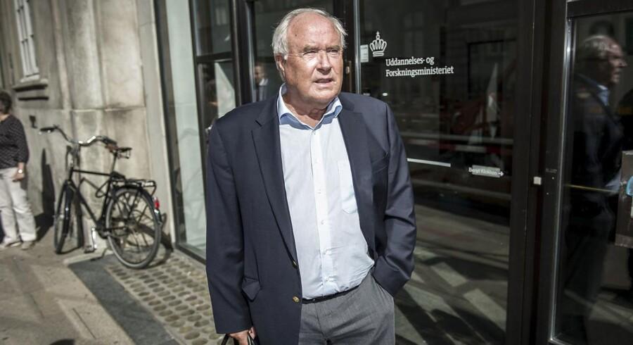 Ifølge Bagmandspolitiet har selskabet - samt daværende bestyrelsesformand Flemming Østergaard og daværende administrerende direktør Jørgen Glistrup - holdt kursen på selskabets egen aktie kunstigt oppe.
