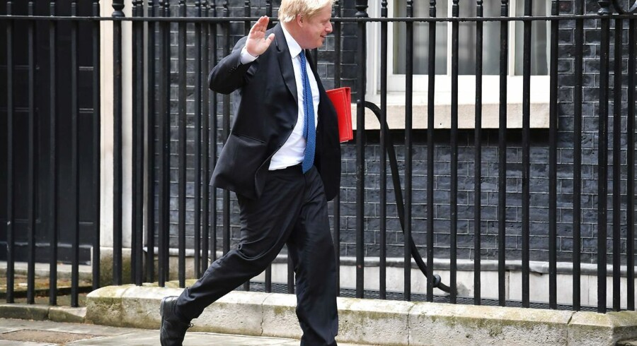 Britain's Foreign Secretary Boris Johnson arrives at 10 Downing Street in central London for a Brexit cabinet meeting on May 2, 2018. / AFP PHOTO / Ben STANSALL