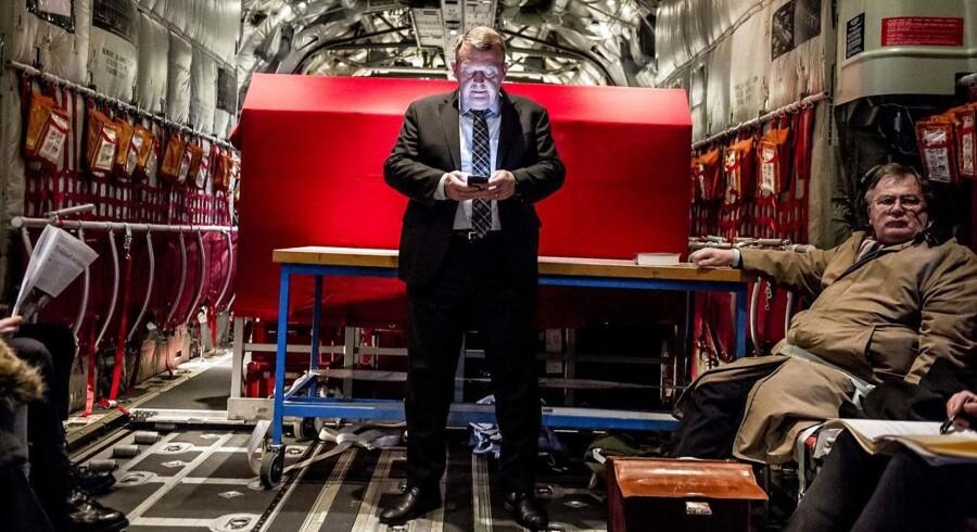 Statsminister Lars Løkke Rasmussen (V) og forsvarsminister Claus Hjort Frederiksen (V) under deres rejse i januar i Forsvarets C-130 Hercules til Estland, hvor dansk forsvar bistår balterne, der føler sig truet af Rusland.(Foto: Mads Claus Rasmussen/Scanpix 2018)