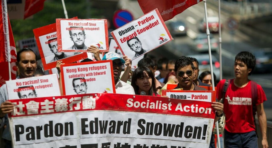 Snowden demostration i Hongkong. EPA/JEROME FAVRE