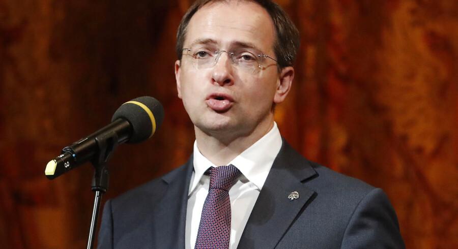 Vladimir Putins kulturminister, Vladimir Medinskij, anklages for videnskabelig uredelighed.