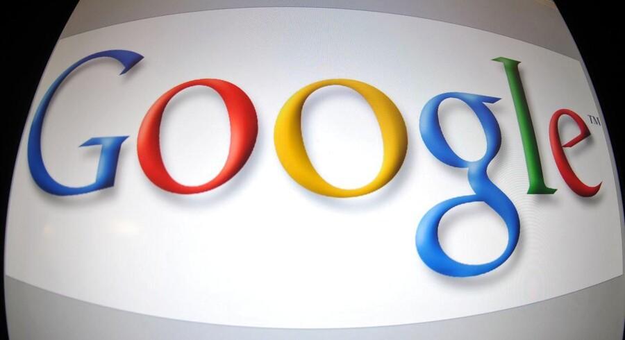 Du er ikke alene om at læse dine egne e-mails. Google giver masser af eksterne firmaer lov til uhindret at læse med. Arkivfoto: Karen Bleier, AFP/Scanpix