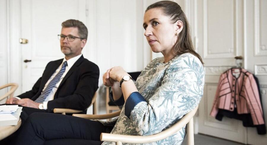 Mette Frederiksen og Frank Jensen præsenterer Socialdemokratiets forslag om at forbyde dieselbiler.