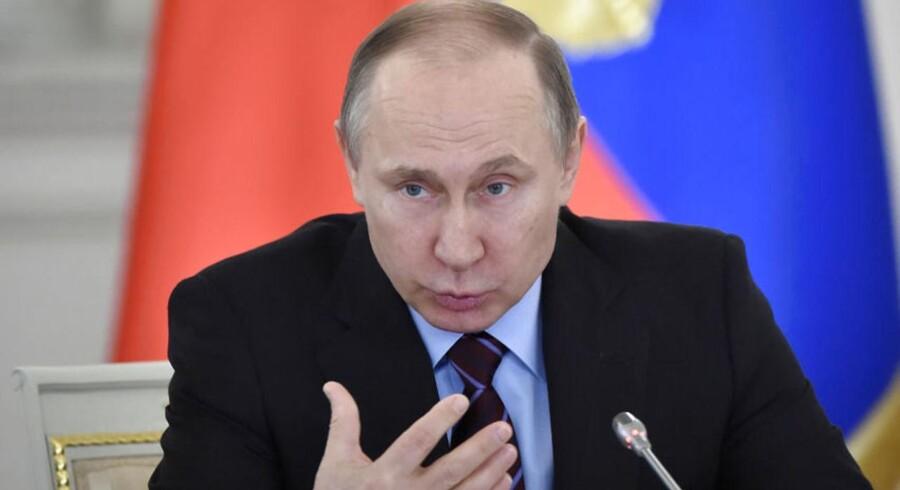 Senest har de amerikanske efterretningsvæsener anklaget den russiske præsident, Vladimir Putin, for at have igangsat operationer, der skulle skade Hillary Clintons mulighed for at blive valgt som præsident i USA.