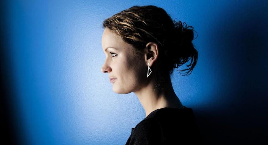 »Hvis vi bliver ved med at miste troværdighed, går vi over i glemslen,« siger Enhedslistens Pernille Skipper i et interview om medier, ubesvarede spørgsmål og en villa i Valby.