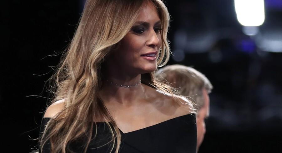 """""""De ord, min mand brugte, er helt uacceptable og stødende for mig. De repræsenterer ikke den mand, som jeg kender"""", siger Melania Trump i en udtalelse. Scanpix/Joe Raedle"""