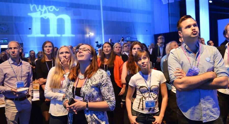 Den svenske efterretningstjeneste har advaret om russiske forsøg på at påvirke og undergrave det svenske valg til september. Her ses reaktioner på valgresultatet for det konservative parti under det seneste valg i 2014.