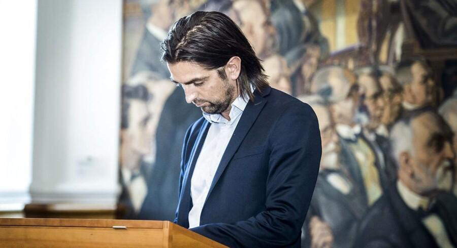 René Gade blev i sommer ny gruppeformand for Alternativet, da partiet til sit sommergruppede rokerede om i partiledelsen. Politisk leder Uffe Elbæk har senere erkendt, at der var uenigheder om rollefordelingen, da holdet blev sat.