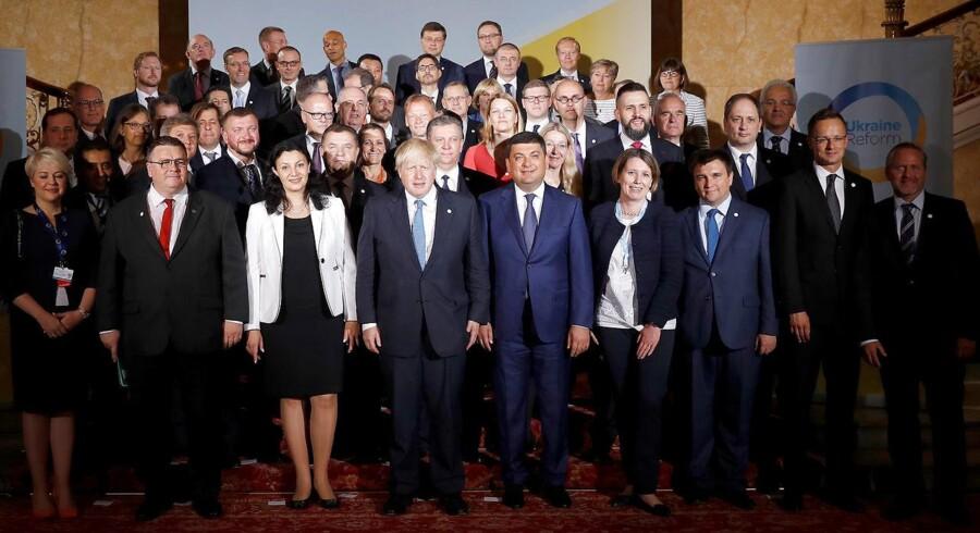 31 vestlige udenrigsminister udtrykker, at de bogstaveligt står side om side med den ukrainske regering.