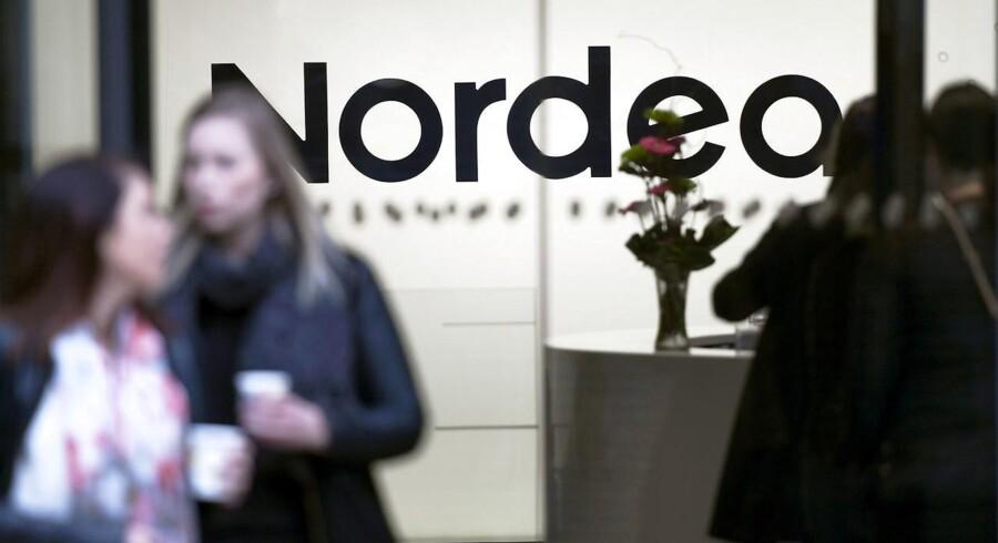 En Nordea-direktør er kommet i modvind efter en uheldig sammenligning og en efterfølgende læk. Nu kræver man, at Google skal afsløre ophavsmanden bag lækken.