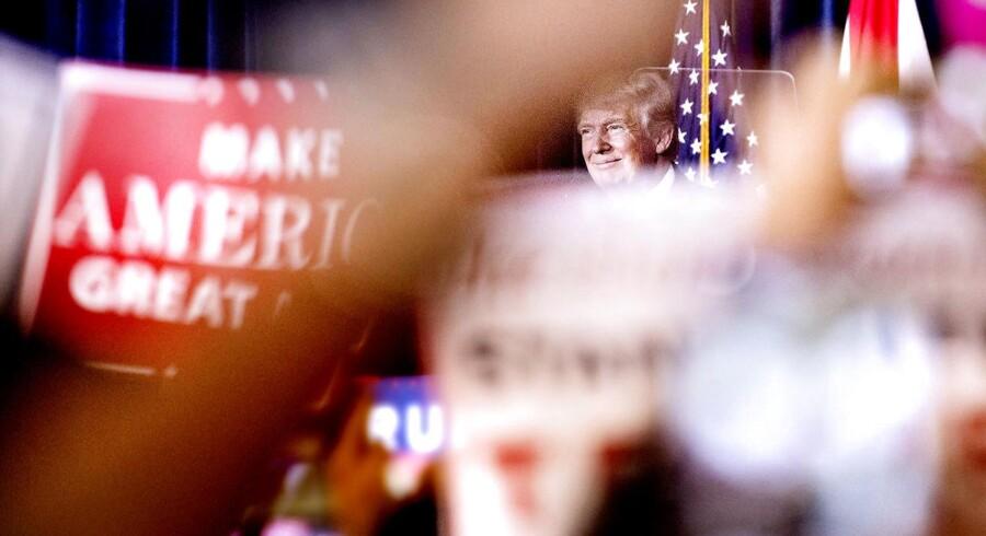 Amerikanske senatorer vil have en særlig komité til at undersøge hackerangreb fra andre lande i forbindelse med valget i USA. Et valg, som den republikanske kandidat Donald Trump vandt.