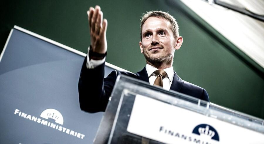 »Finansminister Kristian Jensen (V) mener selv, at hans finanslov, som netop er fremlagt, er ansvarlig.«