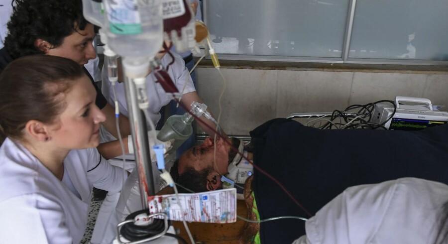 Arkivfoto: Flyet, der havde det brasilianske fodboldhold Chapecoense om bord, styrtede ned nær Medellin sidst i november. 81 personer var om bord. Neto er en af tre overlevende fodboldspillere fra flystyrtet.