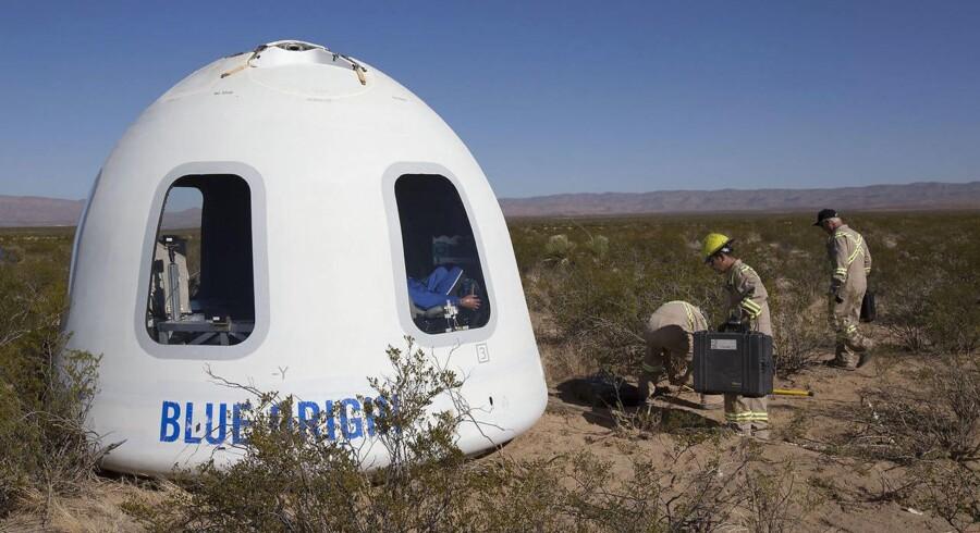 Sådan ser den ud - rumkapslen til seks mennesker, som tager de første passagerer med op i kredsløb om Jorden i 2019. Arkivfoto: Blue Origin/AFP/Scanpix