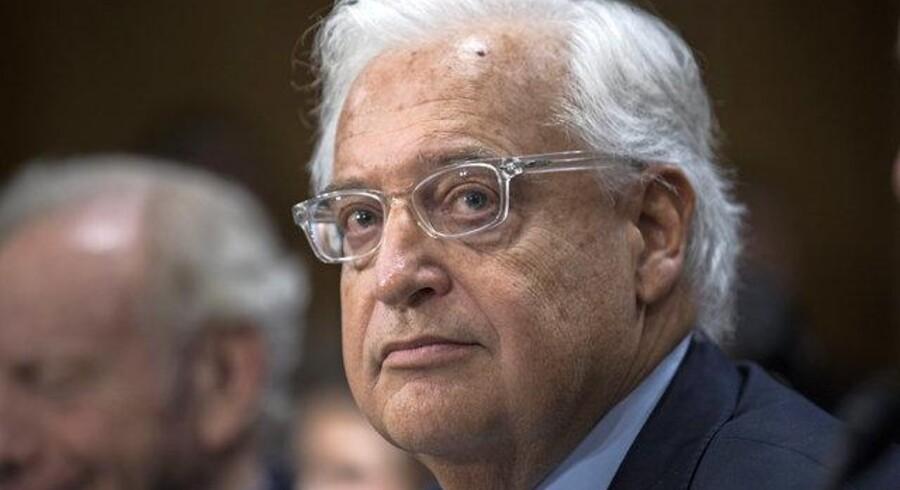 En række tidligere amerikanske ambassadører opfordrer Senatet til at blokere for Trumps udpegning af David Friedman til ambassadør i Israel. Nu står Friedman skoleret og undskylder tidligere udsagn. Foto: Jim Lo Scalzo/Reuters