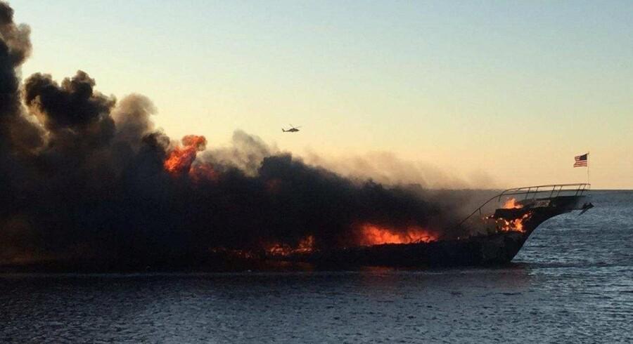 De foreløbige undersøgelser peger på, at branden opstod klokken 16.17 som følge af motorproblemer. Reuters/Social Media