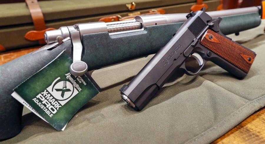 Remington riffel og pistol til salg hos Chuck's Firearms i Atlanta, Georgia i USA.