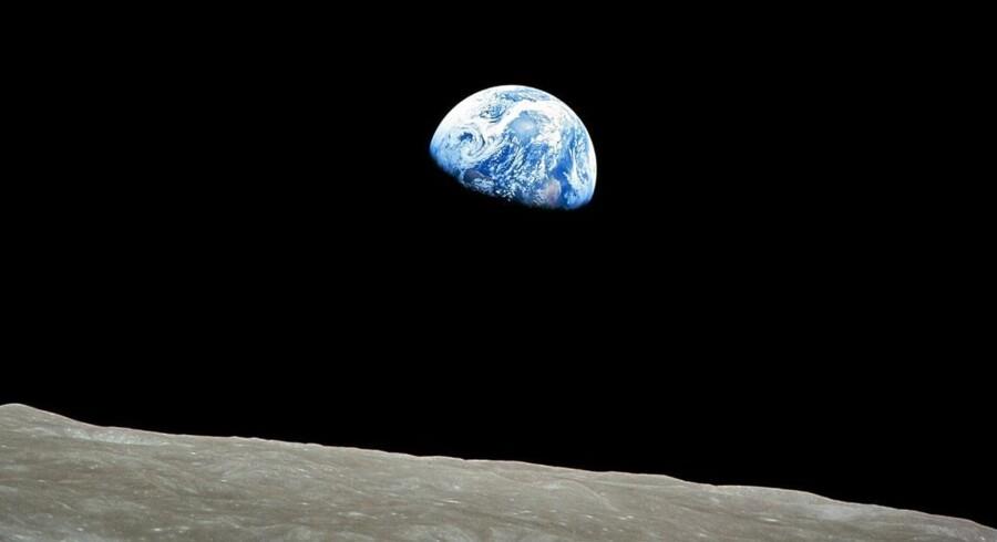 Vores runde jordklode set fra Månen, optaget på Apollo 8-missionen i julen 1968.