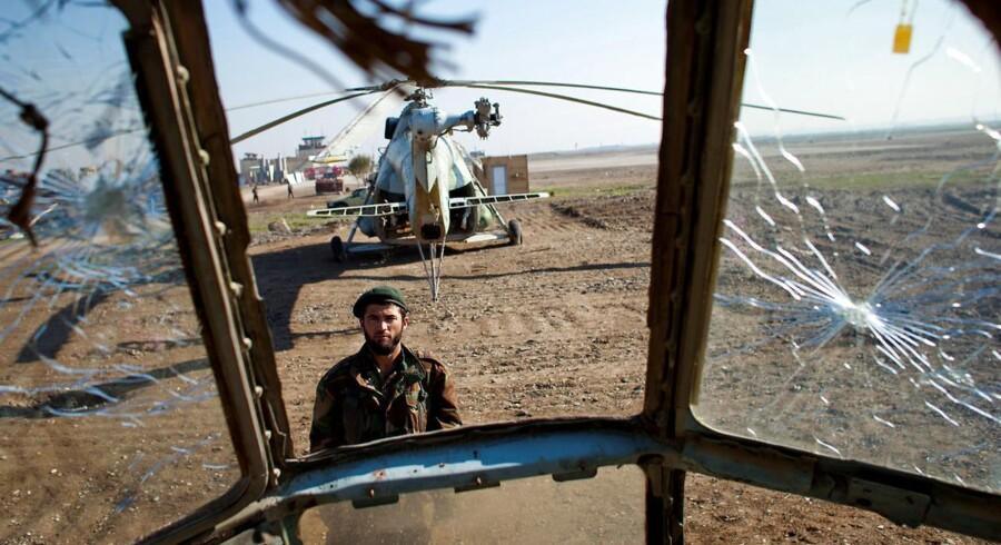 Arkivfoto af en soldat fra den afghanske hær.