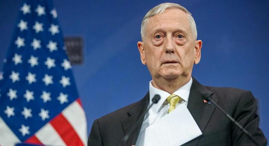 """USA's forsvarsminister, James Mattis, afviser ved afslutningen af et Nato-møde i Bruxelles at uddybe, hvad han mener med, at USA vil """"moderere"""" sine Nato-forpligtelser, hvis ikke europæerne betaler mere."""