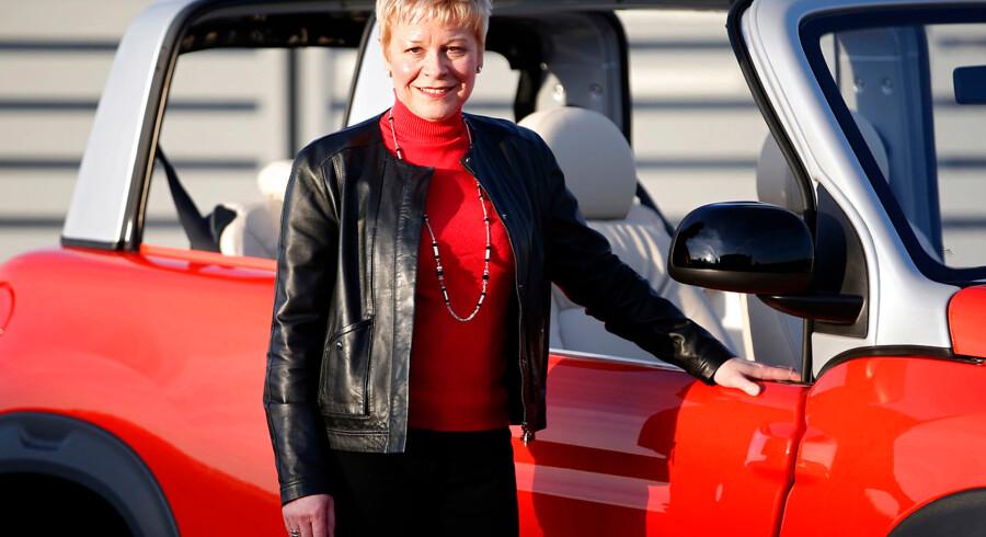 Citroën-chefen Linda Jackson har stået i spidsen for en fornyelse af det franske bilmærke. Her præsenterer hun elbilen E-Mehari i Frankrig i december 2015. »Da jeg startede hos Citroën i 2005, var det simpelthen utænkeligt, at en kvinde ville komme til at lede selskabet,« udtalte hun tidligere i år.