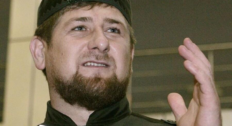 Den tjetjenske leder, Ramzan Kadyrov, kritiseres internationalt for at have indført en konservativ fortolkning af islam som grundlag for lovgivningen i Tjetjenien.