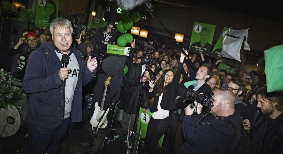 Ved Alternativets første kommunalvalg er målet en borgmesterpost i København. Ude i de mindre kommuner er udfordringen større. Her håber partileder Uffe Elbæk at mellem 10 og 20 kandidater bliver valgt ind.