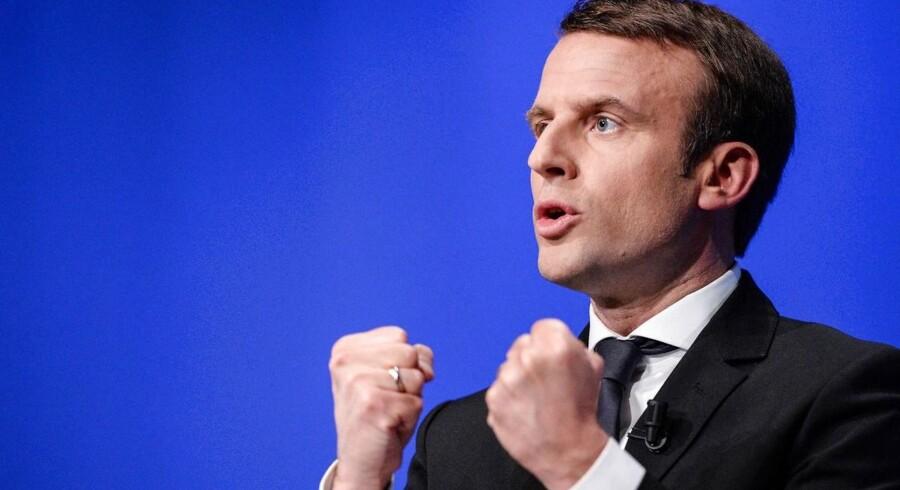 Hackerangrebene mod den EU-positive centrum-politiker Emmanuel Macron vil næppe ødelægge hans vinderchancer mod højrefløjens Marine Le Pen. Det udtaler den danske ambassadør i Frankrig. Kirsten Malling Biering. om det franske præsidentvalg.