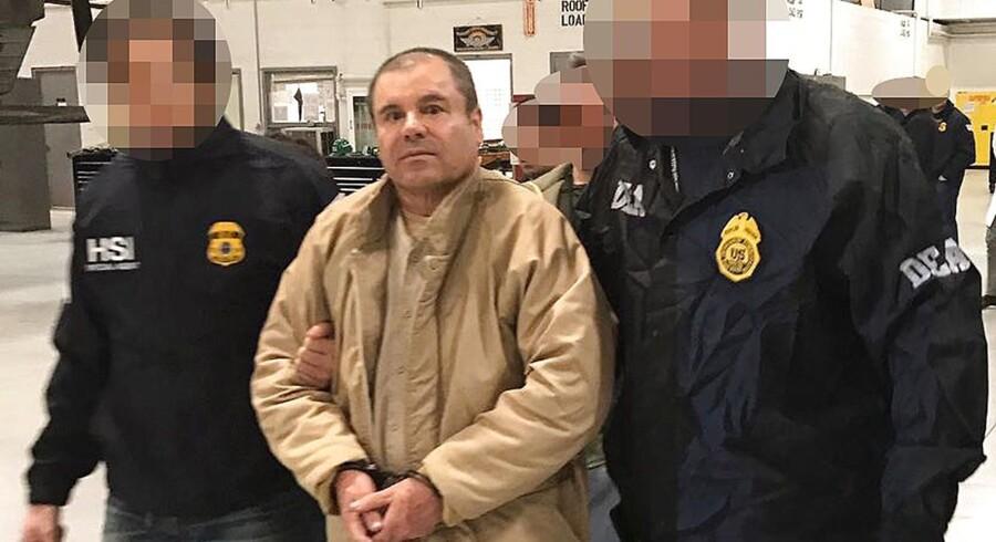 """Serien """"El Chapo"""" havde premiere i april og portrætterer Guzman som en skruppelløs forbryder. Den skader hans ry og rygte, mener advokat Jose Refugio Rodriguez."""