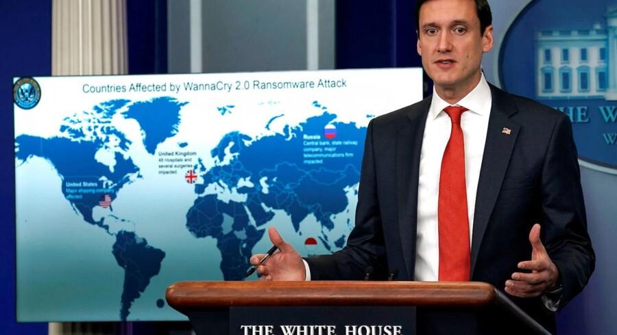 Donald Trumps sikkerhedsrådgiver, Thomas P. Bossert, orienterede tirsdag om optrapningen mod de nordkoreanske hackere bag Wannacry-virussen, som Microsoft og Facebook nu også er gået i clinch med. Foto: Kevin Lamarque, Reuters/Scanpix