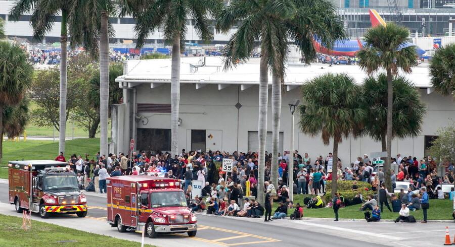 Gerningmanden bag skyderiet i lufthavnen i Fort Lauderdale fredag dræbte fem personer og sårede otte.