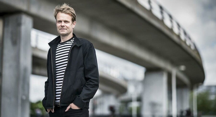 »At låne eller leje sig frem til nogle ting, som man kan på biblioteker, er en ret vigtig ting, hvis man tænker bæredygtigt. Vi behøver ikke alle sammen eje en bog, vi behøver ikke alle sammen eje et spil. Det er også med til at skabe fællesskaber,« siger Niko Grünfeld, spidskandidat for Alternativet i København.