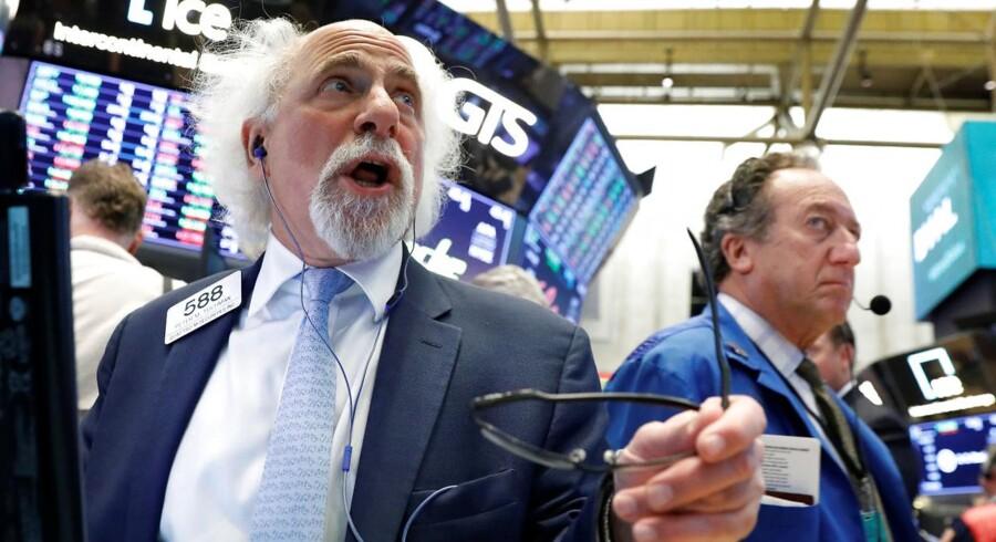 Aktierne vendte fredag tilbage til positivt territorium, efter at bekymringen om handelskrig i denne uge har trykket markederne.