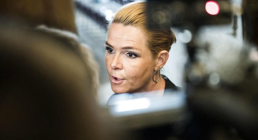 Udlændinge- og integrationsminister Inger Støjberg (V) har indtil tirsdag ikke ønsket at stille op til interview om sagen om Exitcirklen, som hun har forsøgt at annullere den økonomiske støtte til.