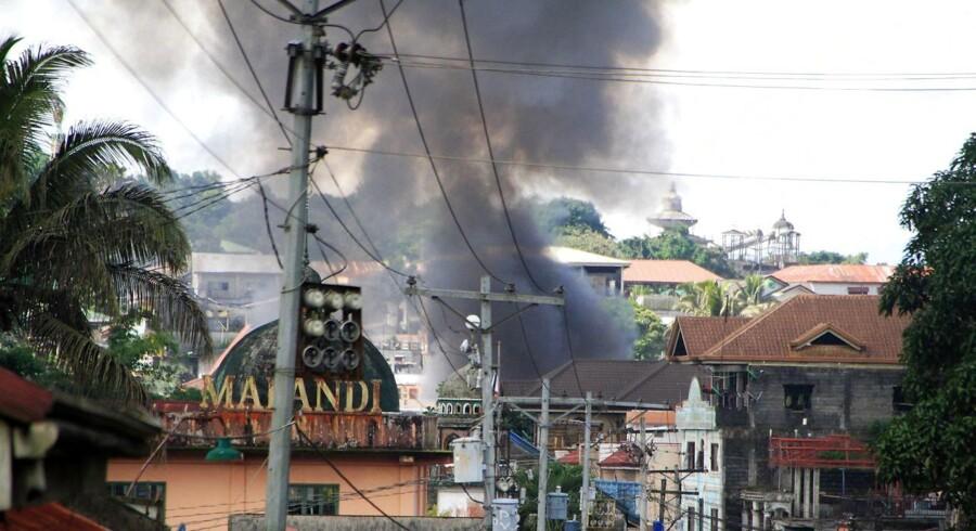 Ti filippinske soldater er omkommet i et af styrets egne angreb.