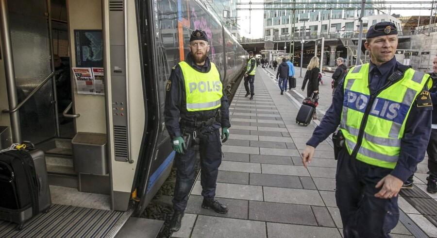Nogen har glemt at sætte ind i Malmø, mener Justitsminister, Søren Pape Poulsen. Han siger på et samråd, at han ikke ser tegn på, at den kriminalitet, de oplever i Malmø, kan rykke til København. Han understreger, at politiet herhjemme samararbejder tæt med de svenske myndigheder på området. (Arkivfoto)
