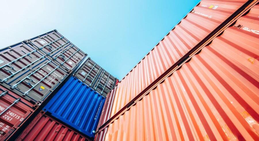 Den danske vareeksport faldt i februar med 0,4 procent. De seneste tre måneder er den faldet med 1,3 procent.