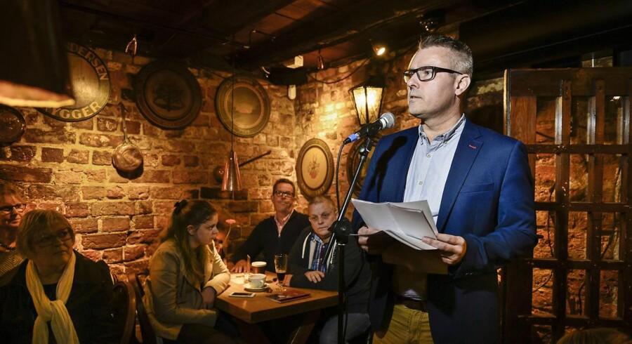 Socialdemokratiets gruppeformand, Henrik Sass Larsen, holder 1. maj-tale i Hugos Vinkælder i Køge.