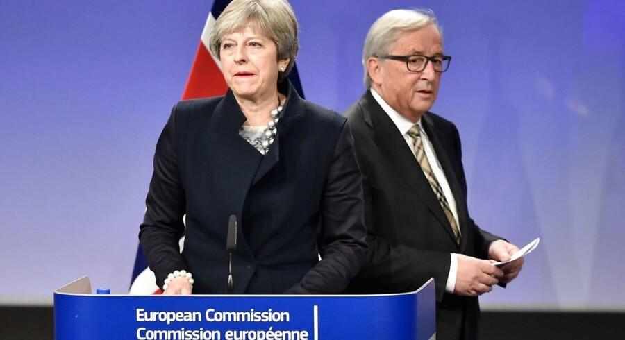 De troede, at de havde et gennembrud, men smilene er stivnet, efter ti nordirske mandater i det britiske parlament satte sig på tværs.