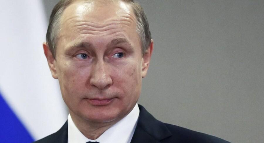 EU vil hjælpe og støtte frie russisksprogede medier, der er uafhængige af Vladimir Putins regering. Derfor er der nu nedsat en gruppe, som fra Bruxelles udsender et ugentligt nyhedsbrev, der oplister eksempler på misinformation. Foto: Yuri Kochetkov